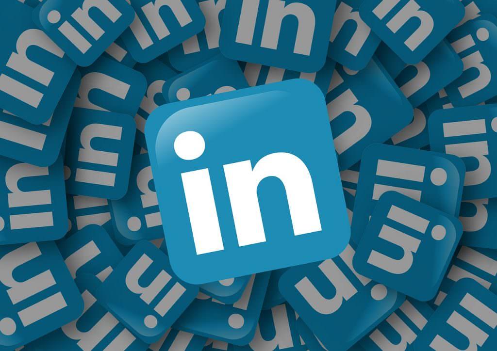 Linkedin come cv online e social professionisti